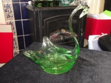 ELEGANT VINTAGE ART GREEN GLASS CALM SERENE SWAN BIRD DISH DULL UV GLOW 7""
